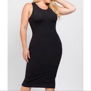 KEISHA | Black Crewneck Body Con Dress